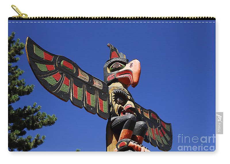Totem Pole Carry-all Pouch featuring the photograph Blue Sky Totem by David Lee Thompson