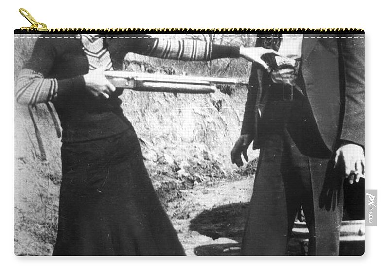 1933 Carry-all Pouch featuring the photograph Bonnie And Clyde, 1933 by Granger