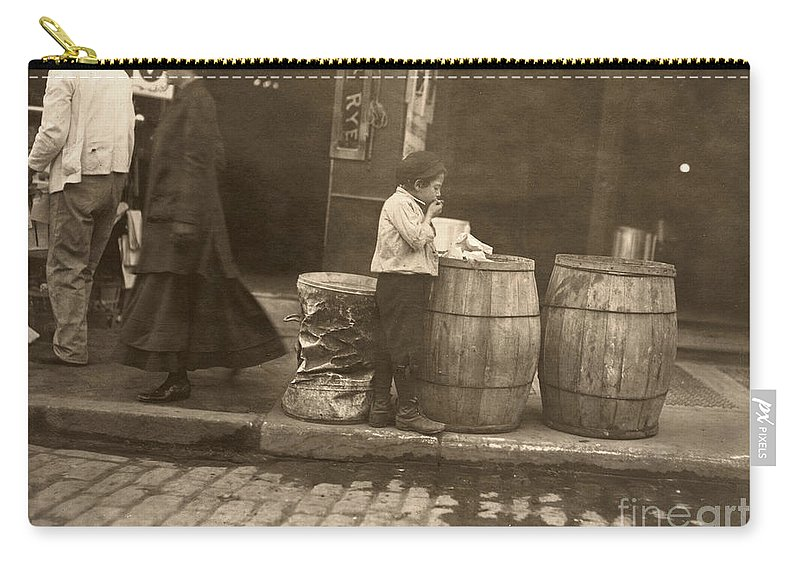 1909 Carry-all Pouch featuring the photograph Boston: Slums, 1909 by Granger