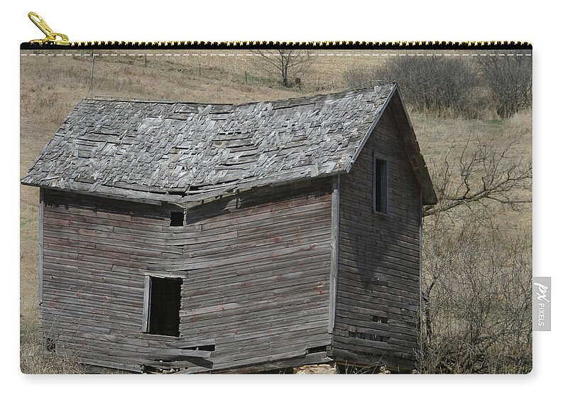 Old Barns Carry-all Pouch featuring the photograph Breaking Up by Bjorn Sjogren
