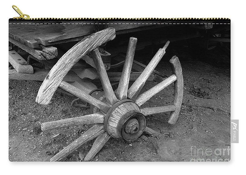 Wagon Wheel Carry-all Pouch featuring the photograph Broken Wheel by David Lee Thompson