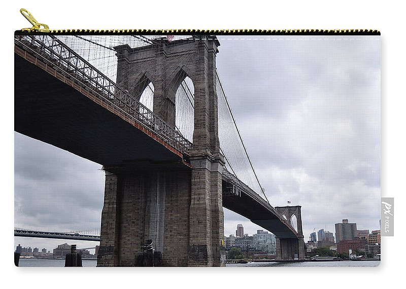 Brooklyn Carry-all Pouch featuring the photograph Brooklyn Bridge by Alicia Fdez