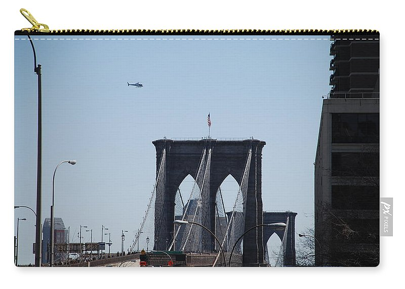 Architecture Carry-all Pouch featuring the photograph Brooklyn Bridge by Rob Hans