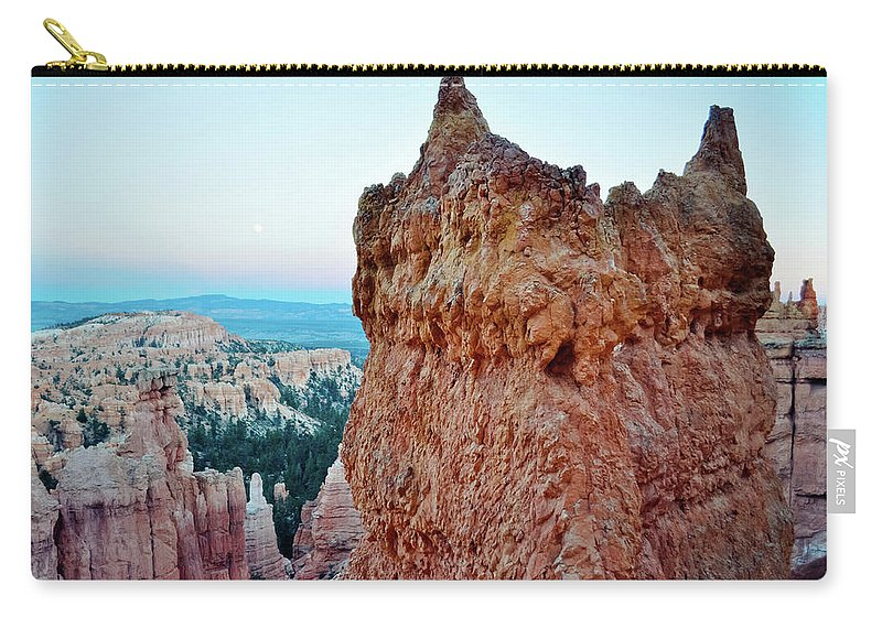 Bryce Canyon National Park Carry-all Pouch featuring the photograph Bryce Canyon Navajo Loop Trail by Kyle Hanson