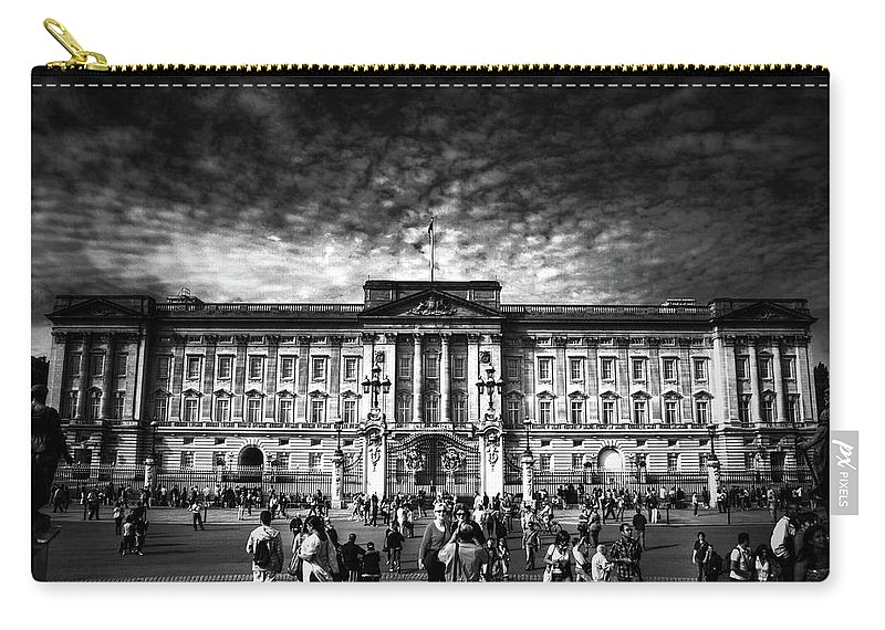 Architecture Carry-all Pouch featuring the photograph Buckingham Palace by Yhun Suarez