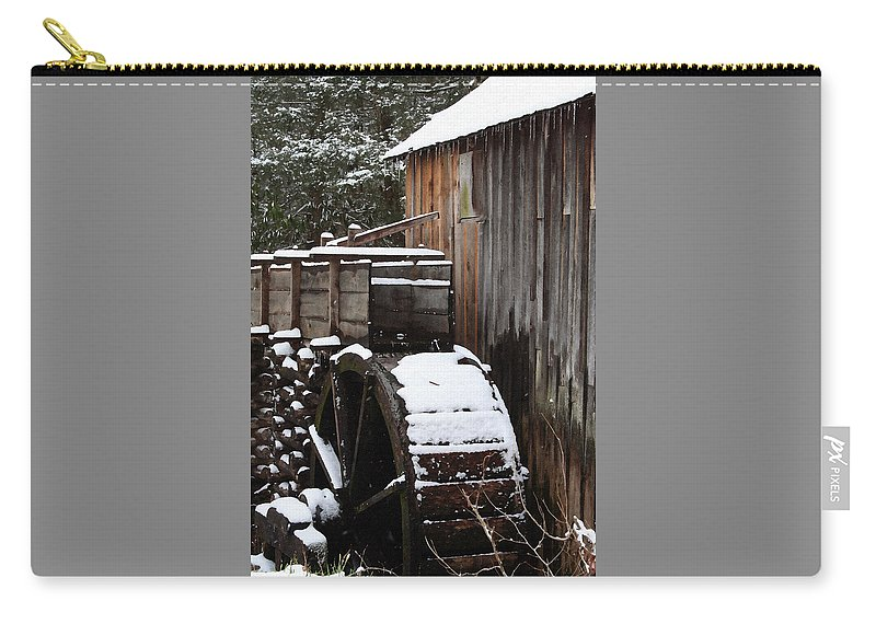 Great Smoky Mountains Carry-all Pouch featuring the photograph Cades Cove Mill I by Margie Wildblood