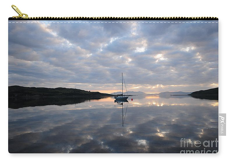 Campbeltown Carry-all Pouch featuring the photograph Campbeltown Dawn by Smart Aviation