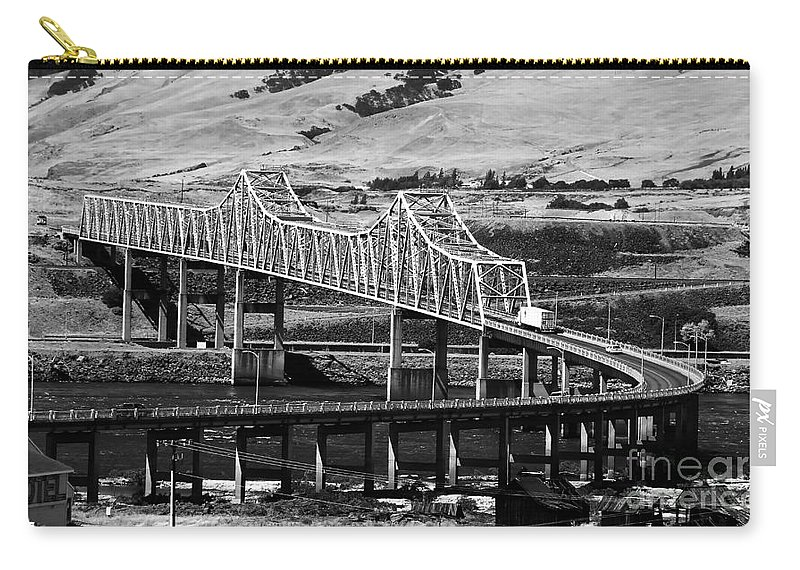 Columbia River Carry-all Pouch featuring the photograph Columbia River Crossing by David Lee Thompson