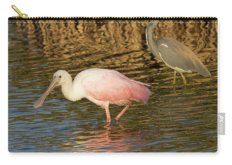 Cutts Nature Photography Carry-all Pouch featuring the photograph Contrasting Colors by David Cutts
