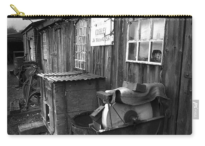 Shack Carry-all Pouch featuring the photograph Cool Shack Too by Bob Kemp