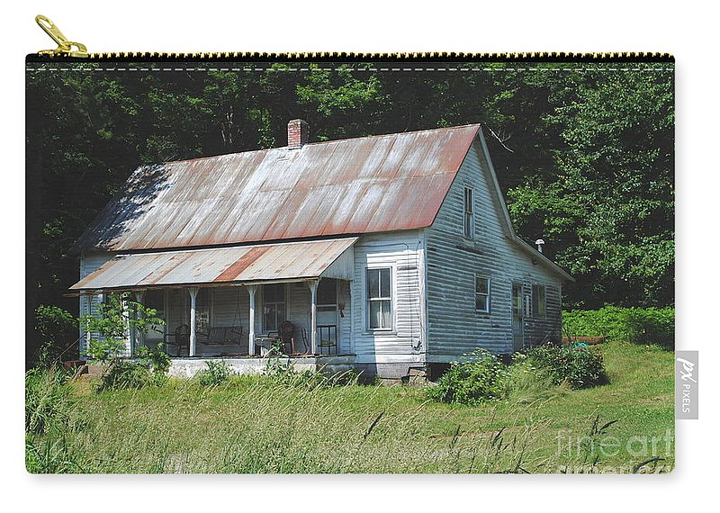 Shack Carry-all Pouch featuring the photograph Country Home by Jost Houk