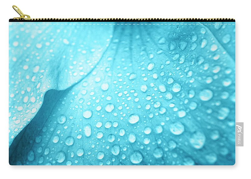Hibiscus Flower Carry-all Pouch featuring the photograph Aqua Droplets by Sean Davey