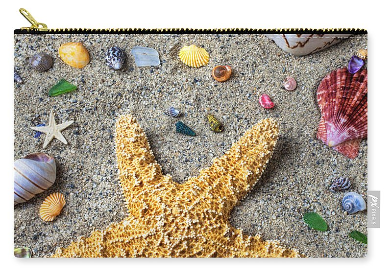 Starfish Carry-all Pouch featuring the photograph Day At The Beach by Garry Gay