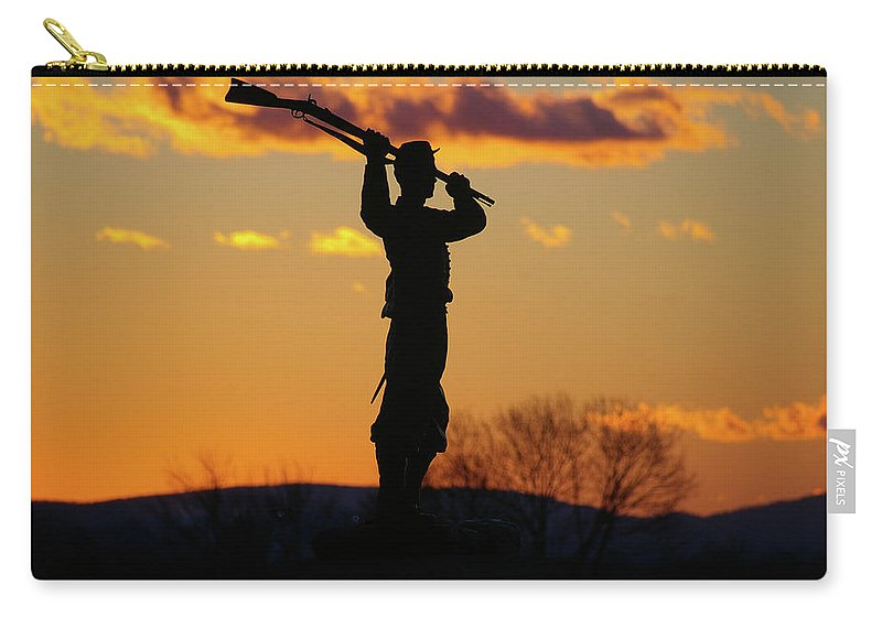 Gettysburg Carry-all Pouch featuring the photograph Defending The Union by Jen Goellnitz