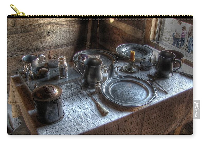 Dinner Carry-all Pouch featuring the photograph Dinner Is Served by Jane Linders