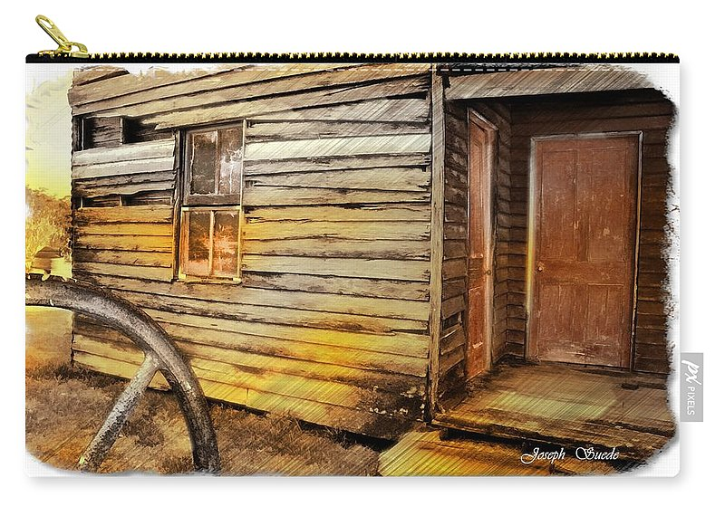 Old House Carry-all Pouch featuring the photograph Do-00040 Old House Front by Digital Oil