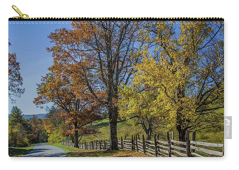 Scenic Carry-all Pouch featuring the photograph Don't Fence Me In by Kevin Craft