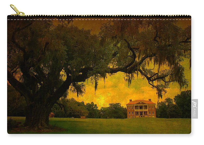 Plantation House Carry-all Pouch featuring the photograph Drayton Hall Plantation In Charleston by Susanne Van Hulst
