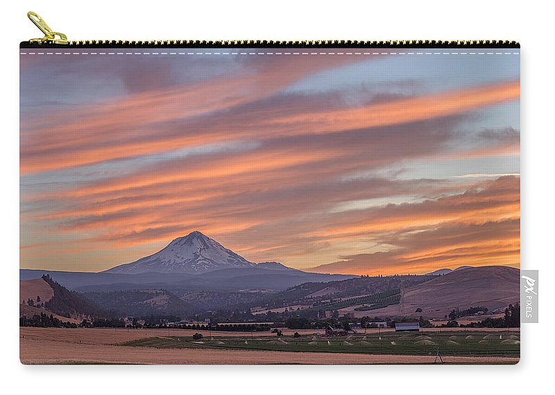 Dufur Carry-all Pouch featuring the photograph Dufur Views by Patricia Davidson
