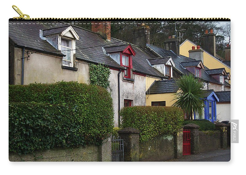 Ireland Carry-all Pouch featuring the photograph Dunmore Houses by Tim Nyberg