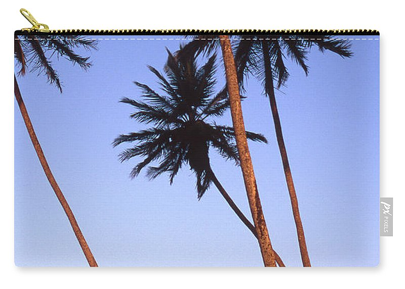 Bahia Carry-all Pouch featuring the photograph Dusk In Morro by Patrick Klauss