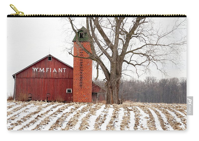 Barn Carry-all Pouch featuring the photograph Fiant Barn by David Arment