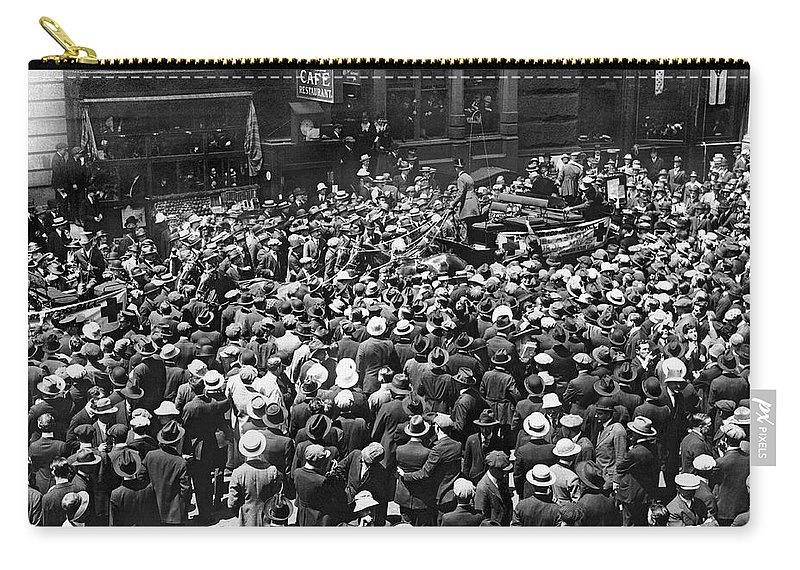 1910s Carry-all Pouch featuring the photograph Financial District Showgirls by Underwood Archives