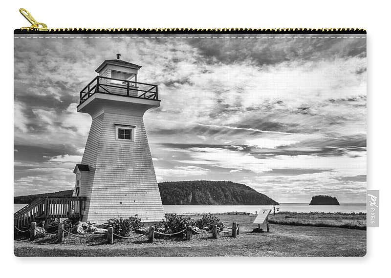 Canada Carry-all Pouch featuring the photograph Five Islands Lighthouse by Mark Llewellyn
