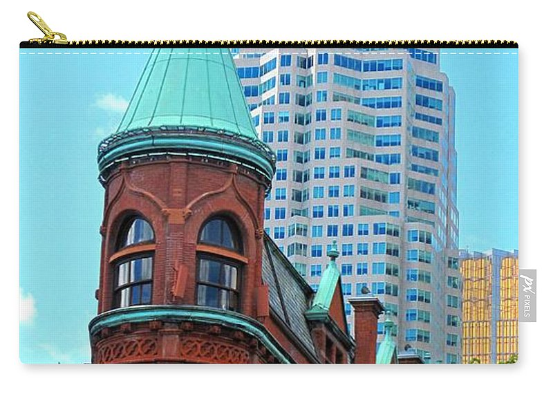 Flat Iron Building Carry-all Pouch featuring the photograph Flat Iron Building by Ian MacDonald