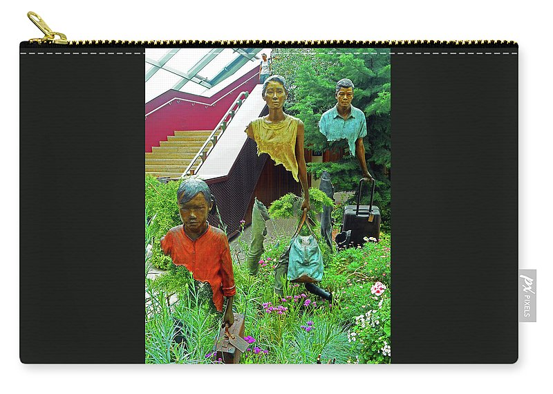 The Dooms Carry-all Pouch featuring the photograph Flower Dome 34 by Ron Kandt