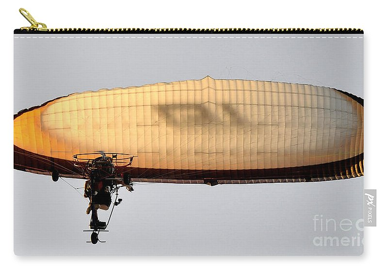 Flying Carry-all Pouch featuring the photograph Flying Free by David Lee Thompson