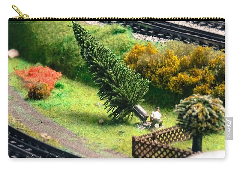 Carry-all Pouch featuring the photograph Frankfurt Hbf by Stephen Settles