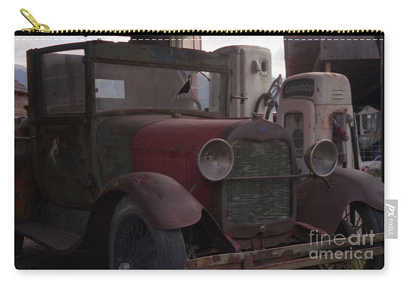 Gas Station Carry-all Pouch featuring the photograph Full Service by Richard Rizzo