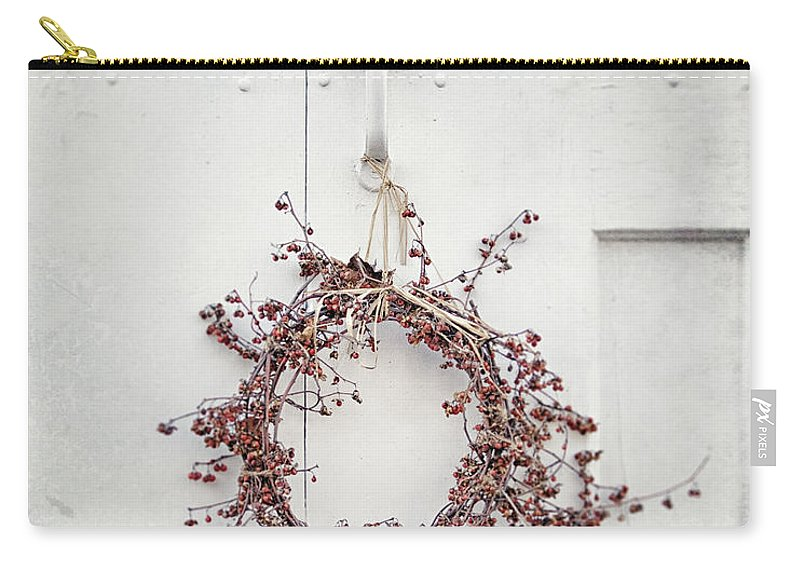 Cottage Door Carry-all Pouch featuring the photograph Gate And Garden by Lisa Russo