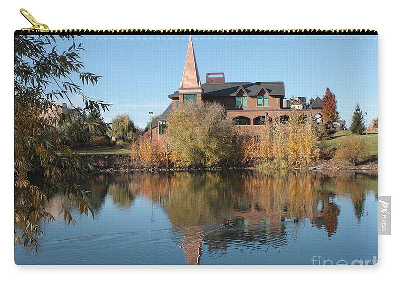Washington Carry-all Pouch featuring the photograph Gonzaga Art Building by Carol Groenen