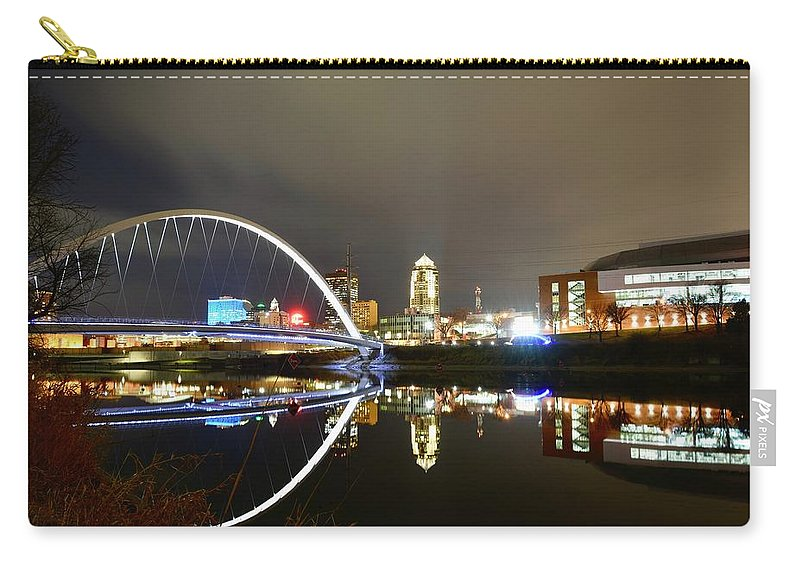 Des Moines Carry-all Pouch featuring the photograph Good Old Des Moines. by Justin Langford