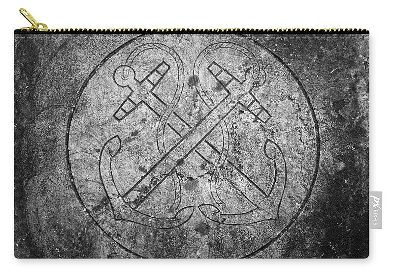 Irish Carry-all Pouch featuring the photograph Grave Of Cadet Soady Macroom Ireland by Teresa Mucha