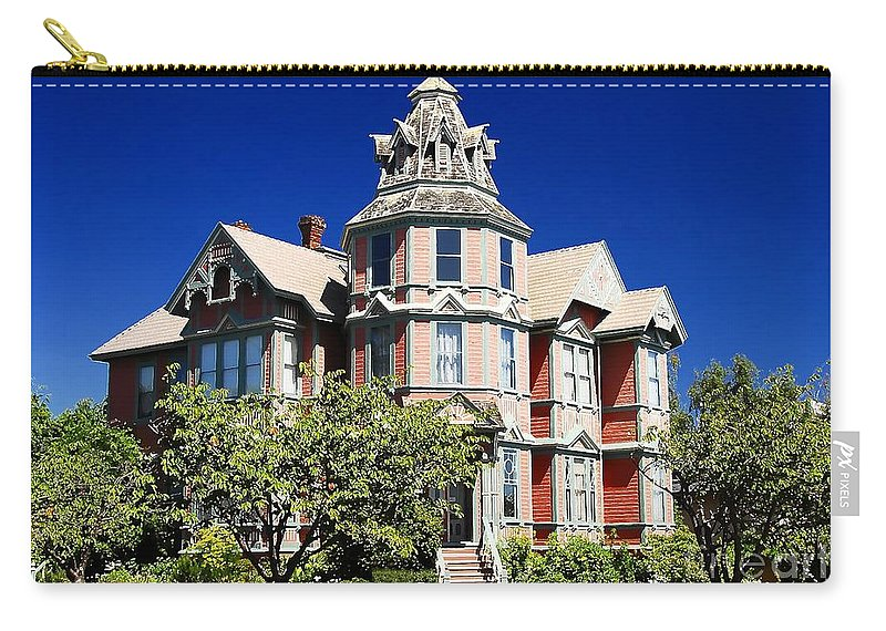 Russian Orthodox Carry-all Pouch featuring the photograph Great Old House by David Lee Thompson