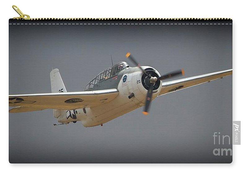 Aircraft Carry-all Pouch featuring the photograph Grumman Tbf Avenger No.25 Again by Gus McCrea