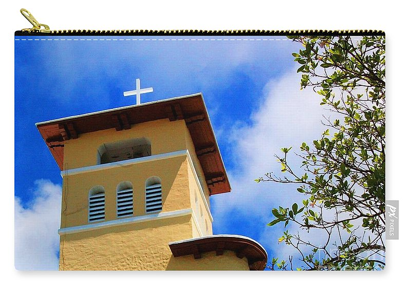 Cross Carry-all Pouch featuring the photograph Heads Up by Debbi Granruth