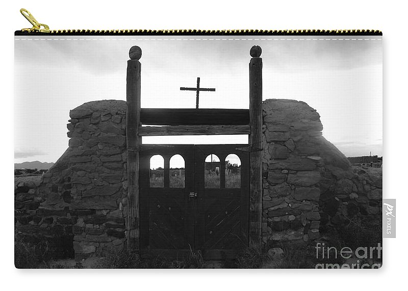 Heaven Carry-all Pouch featuring the photograph Heaven's Gate by David Lee Thompson