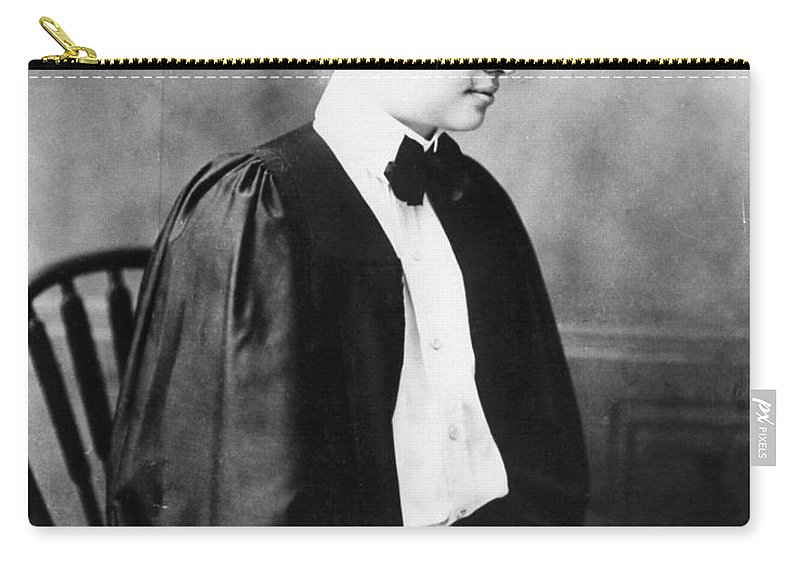 1904 Carry-all Pouch featuring the photograph Helen Keller (1880-1968) by Granger