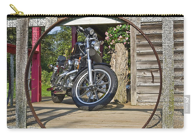 Hog Carry-all Pouch featuring the photograph Hog. by Robert Ponzoni