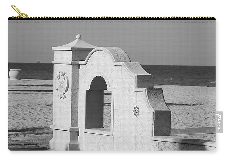 Black And White Carry-all Pouch featuring the photograph Hollywood Beach Wall by Rob Hans