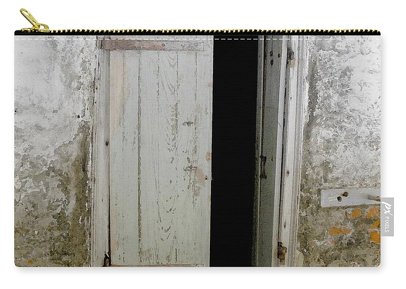 Door Carry-all Pouch featuring the photograph Homeplace Doorway by Nelson Strong