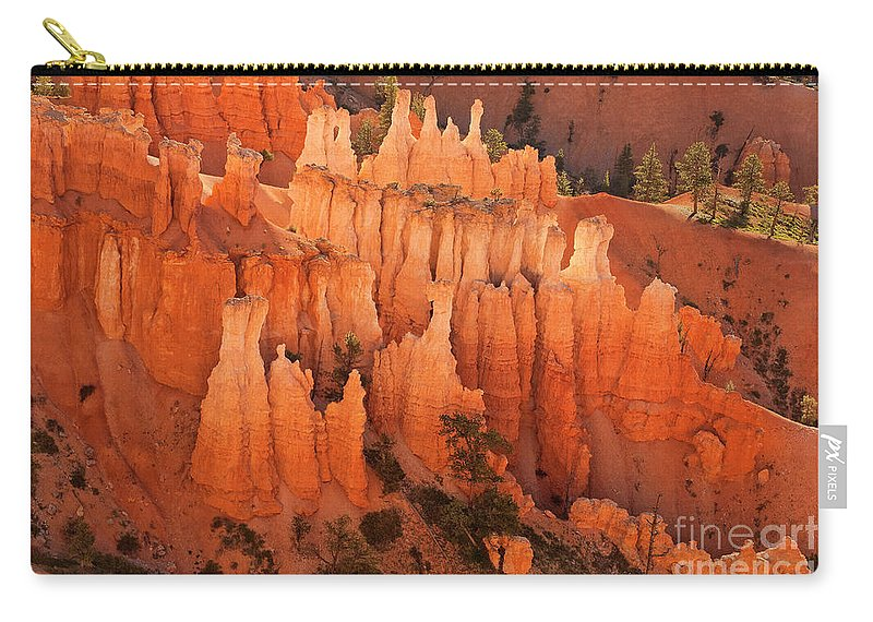 Hoodoos Carry-all Pouch featuring the photograph Hoodoos At Sunrise Bryce Canyon National Park Utah by Dave Welling
