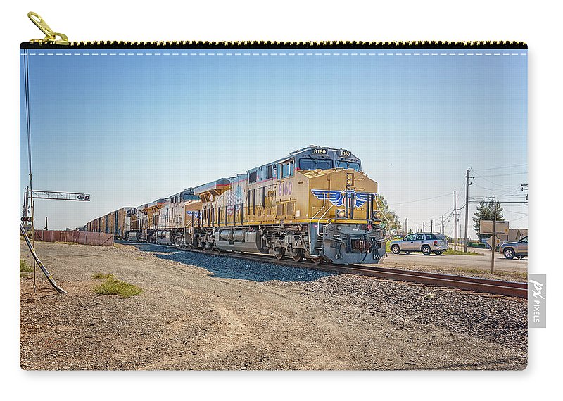 Freight Trains Carry-all Pouch featuring the photograph Up8160 by Jim Thompson