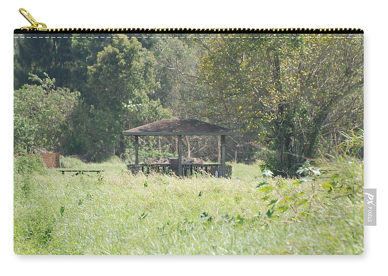 Grass Carry-all Pouch featuring the photograph Huppa In The Fields by Rob Hans