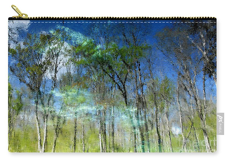 River Carry-all Pouch featuring the photograph Ichetucknee Reflections by David Lee Thompson