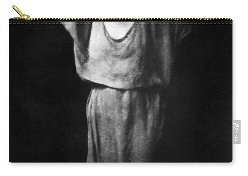 1917 Carry-all Pouch featuring the photograph Isadora Duncan (1877-1927) by Granger